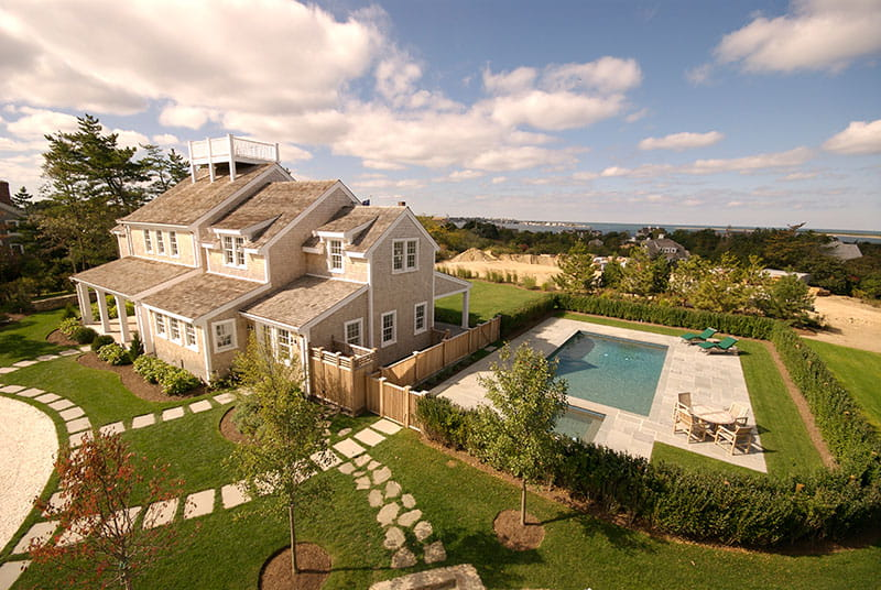 Nantucket vacation home by Shay Construction